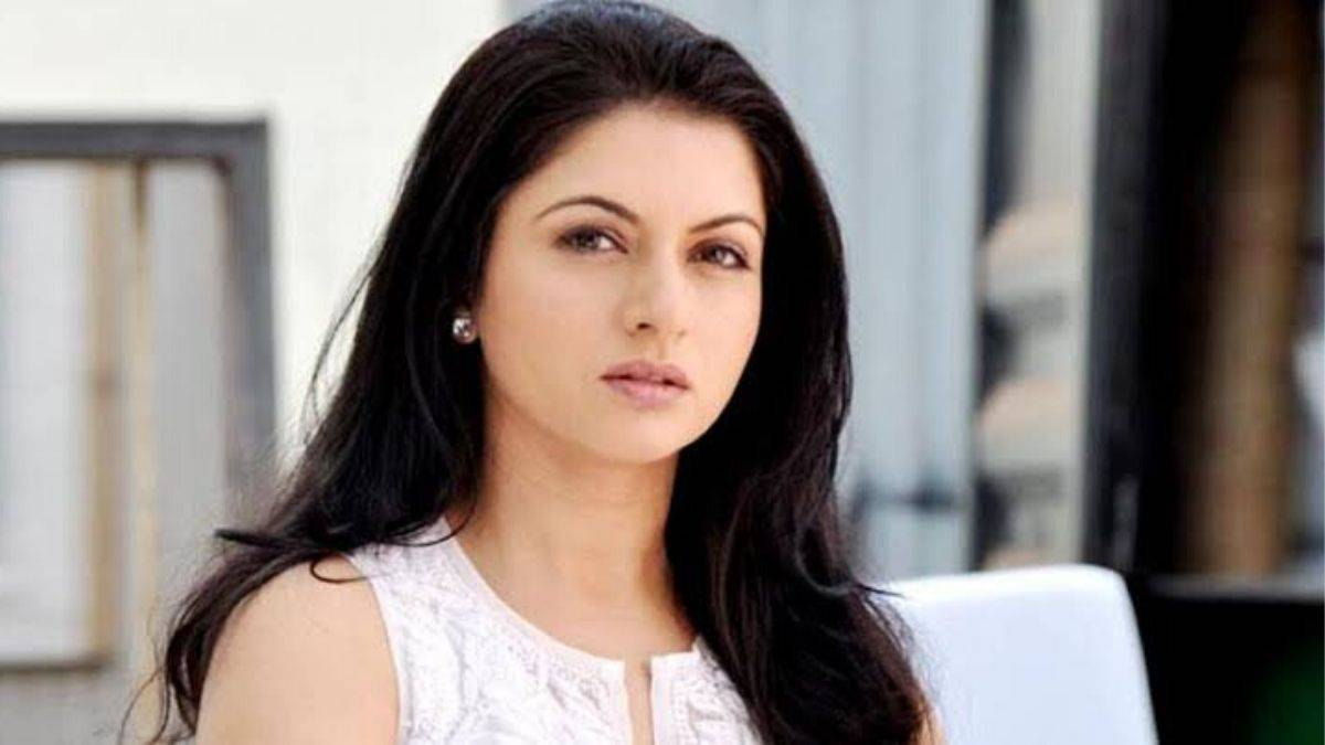 Bhagyashree reveals she rejected all the biggest hits of Yash Chopra,  reveals she received letters in blood